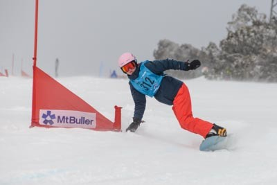 Division 1 Girls Snowboard GS Action
