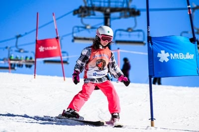 Ski School Race, Action