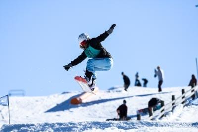 Div 1 Girls Snowboard Slopestyle