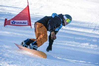 Div 1 Snowboard GS Boys Race photos