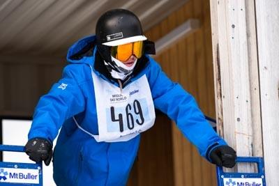 Division 1 Boys Snowboard GS – Gate Shots