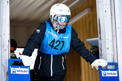Division 1 Girls Snowboard GS – Gate Shots