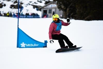 Division 1 Girls Snowboard GS – Race Shots