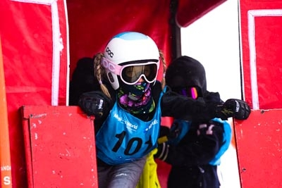 Division 4 Girls Snowboard GS